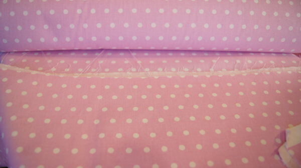 Vaaleanpunainen pikkupallo