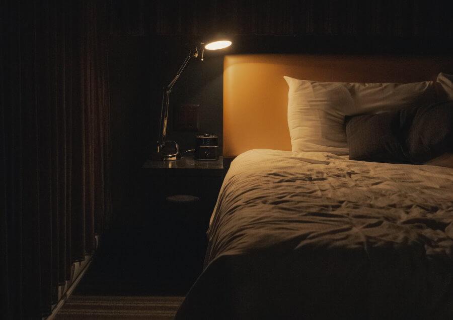 Pimennysverho auttaa pimentämään huoneen tehokkaasti ja parantaa unenlaatua