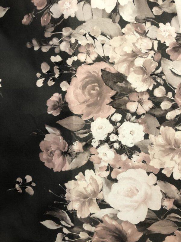 Ruusutarha Musta/Nude