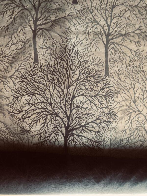 Pitsipuu tummanruskea